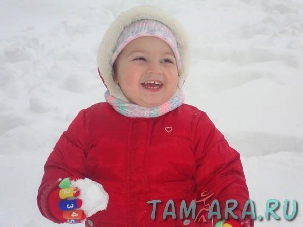 Как одевать ребенка на прогулку зимой